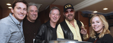 Photo Credit: Randi Radcliff (L-R: BMLG's John Zarling, Vector Management's Ken Levitan, Nash Icon Records' Jim Weatherson, Hank Williams, Jr., BMLG's Jackie Campbell)